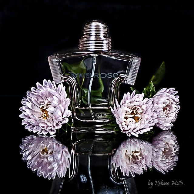 A perfum ...