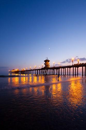 california light sunset sky usa cloud seascape reflection beach vertical canon landscape photography pier twilight unitedstates perspective wave wideangle gradient orangecounty huntingtonbeach ericlo ef14mmf28liiusm eos5dmarkii