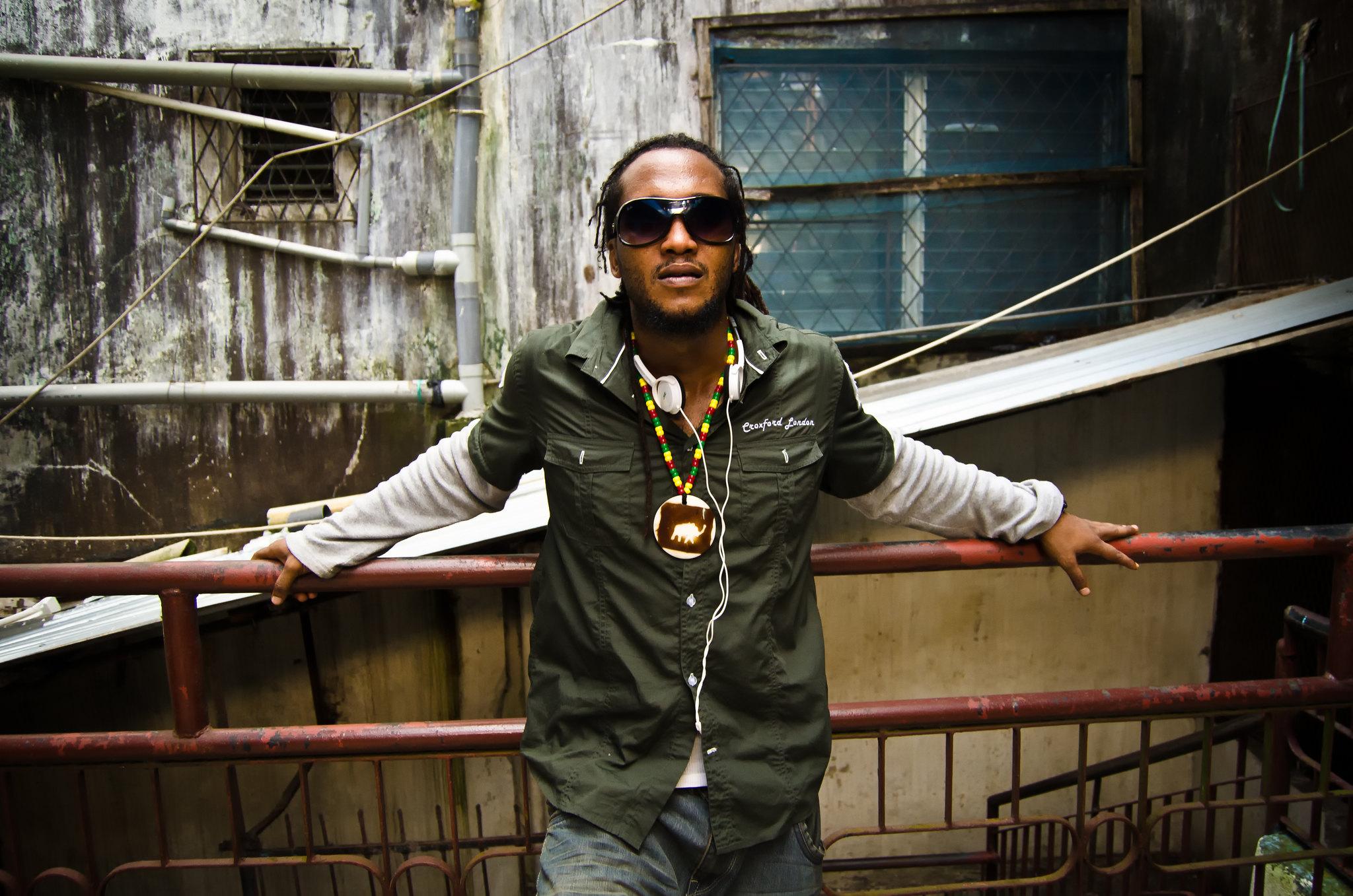 Liberian preformer Rabbie Nass. By Cameron Zohoori