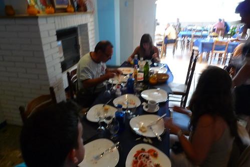 Travessa Alcanar-Calafell 2011. Preparant la sortida a les Casses d'AlcanTravessa Alcanar-Calafell 2011. Esmorzant abans de la sortida a les Casses d'Alcanar. 30 de juliol 2011.ar. 30 de juliol 2011.