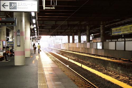 sunset station japan back railway 日本 saitama earlyevening 駅 夕焼け 埼玉 夕方 kumagaya 熊谷 後ろ姿 線路