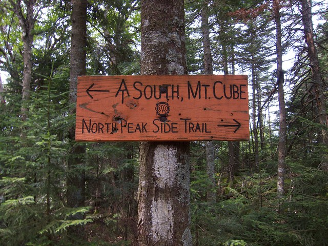 2:50:14 (58%): sign hiking newhampshire orford mtcube northpeaksidetrail