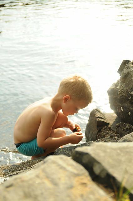 Poika hiekkakuopassa, 2011