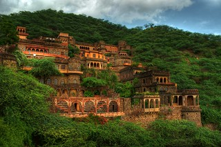 Neemrana Fort | by \/iewfinder