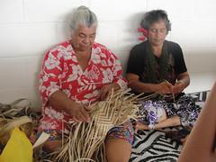 do, 30/09/2010 - 00:01 - 46_ Vrouwenclub van Niue_ weefsters van matten en manden