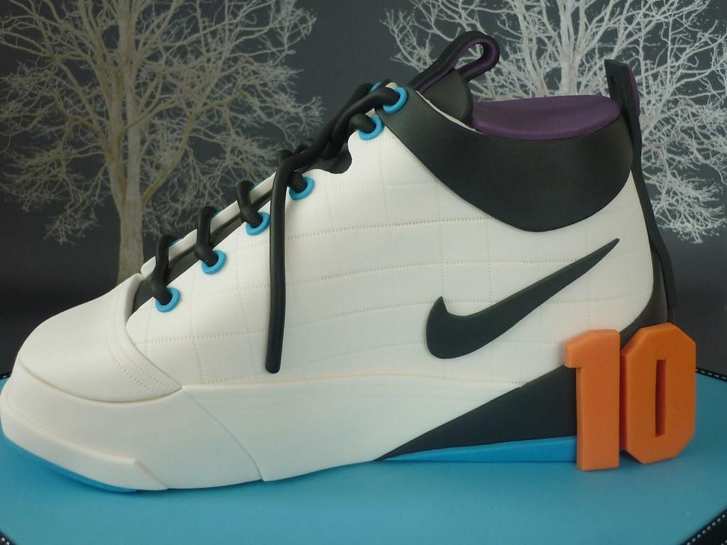 f675dddeb26c Basketball shoe birthday cake