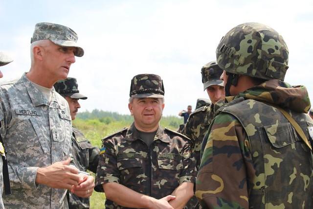 Lt. Gen. Hertling Observes Training at Rapid Trident 2011