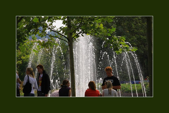 Jugend im Park  (Young people in the Park)