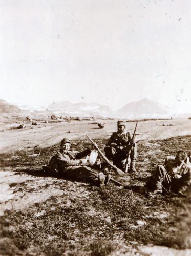 Messner, Kepplinger og Gressel hviler ut under marsjen mot Narvik