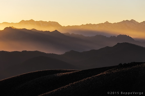 sunset mountains alps montagne tramonto alpi mottarone beppeverge