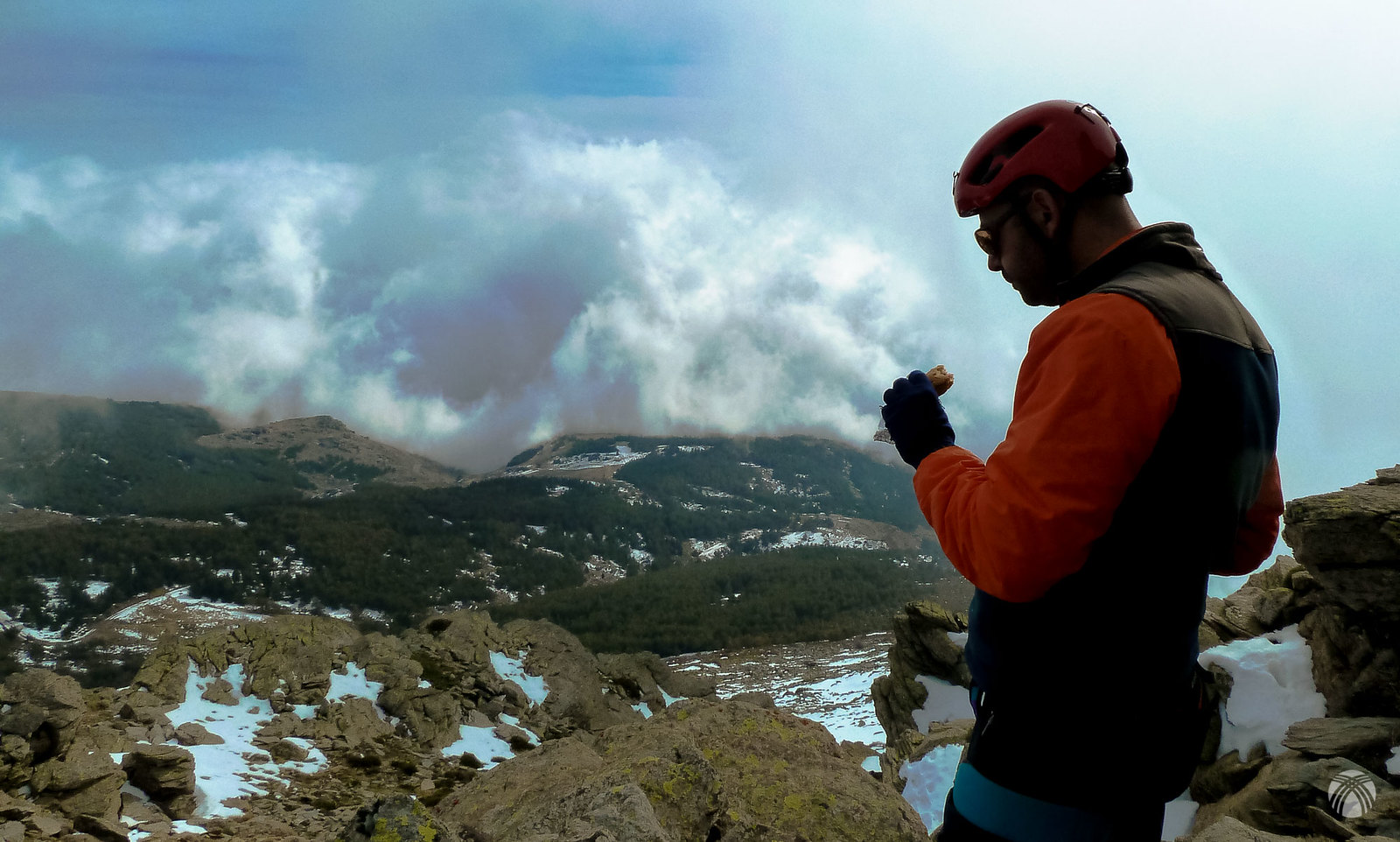 Nubes juguetonas en la zona de la Alpujarra