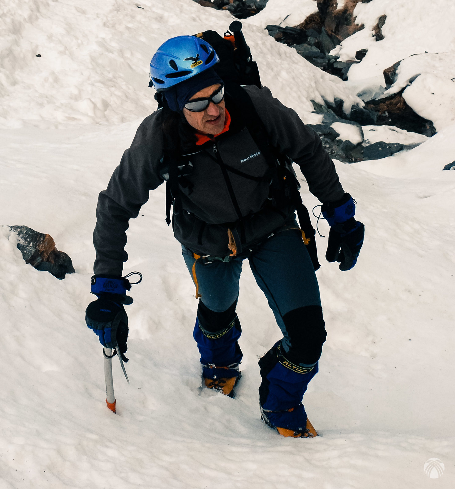 Félix negociando la nieve blanda