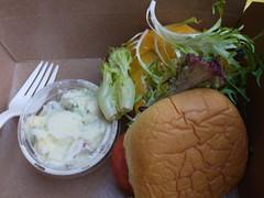 火, 2011-07-05 18:44 - City Winery Katchkie FarmのCheeseburger, potato salad