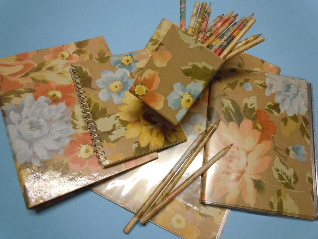Fiori 80 Anni.Camomilla Cartoleria Anni 80 Serie Valentina Fiori Bei Flickr