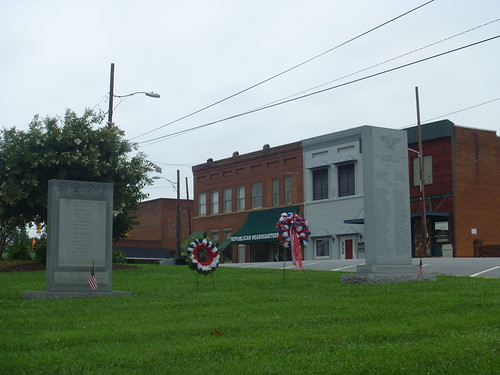downtown northcarolina courthouse warmemorials taylorsville alexandercounty