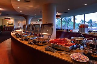 queen s court restaurant dinner buffet hot line served o flickr rh flickr com  hilo hawaiian hotel breakfast buffet