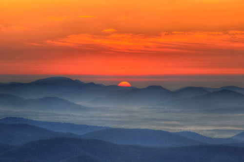 morning mountains sunrise dawn nikon northcarolina overlook blueridgemountains hdr blueridgeparkway pisgahnationalforest photomatix northcarolinamountains tonemapped nikond90 buckspringgap