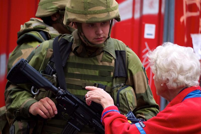 Væpnede soldater / Armed soldiers
