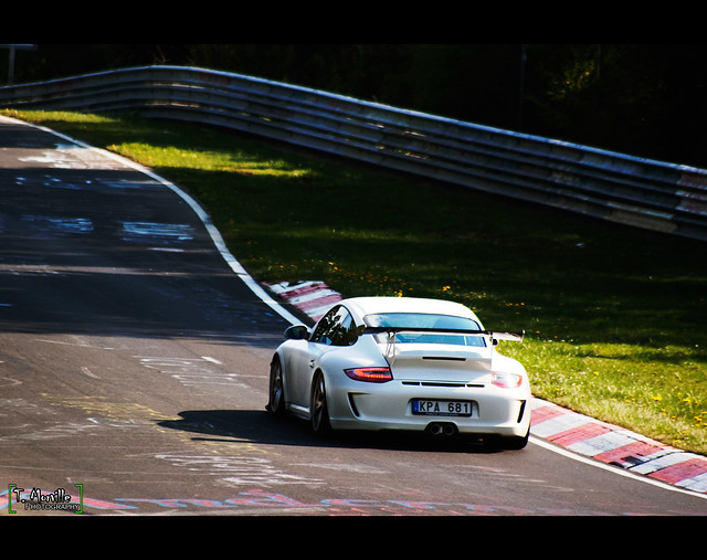 New Porsche 911 GT3 RS 4.0...white matte...Very very low !!