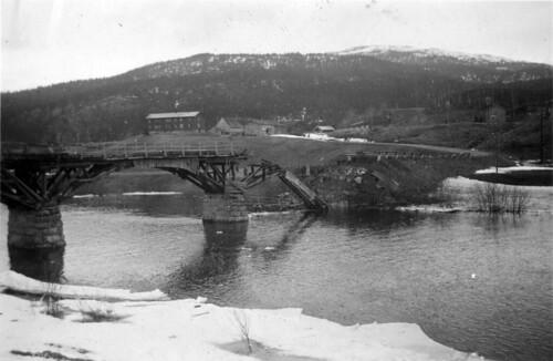 Den sprengte brua ved Fellingfors i Grane