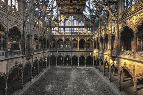 Chambre du commerce before golden age now golden - Chambre du commerce bayonne ...
