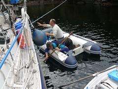 vr, 03/04/2009 - 21:25 - 33_ Paul Gieb helpt ons om touw uit de schroef te krijgen