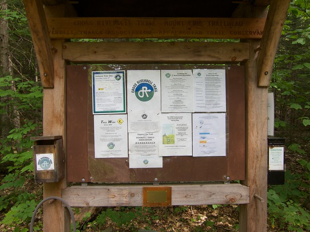 4:54:53 (100%): sign hiking newhampshire orford mtcube crossrivendelltrail
