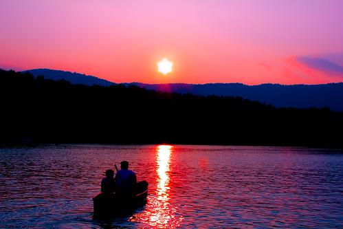 sunset lake mountains water silhouette evening fishing view canoe settingsun lakecherokee tamassee tamasseesouthcaroline
