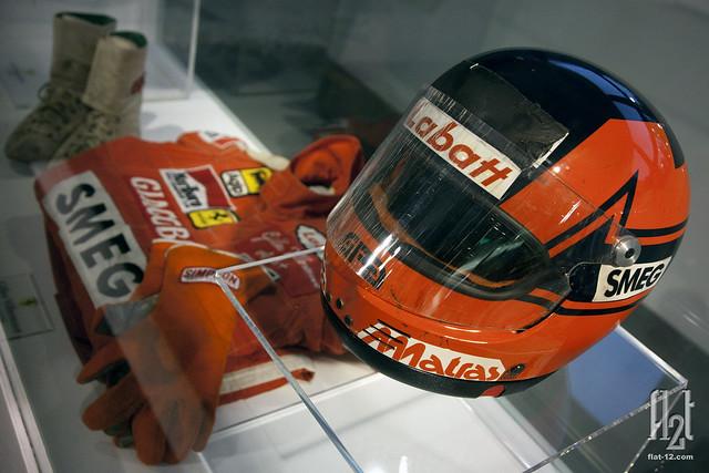 Gilles Villeneuve, crash helmet