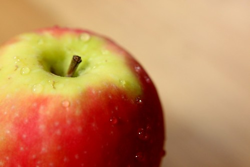 Juicy apple | by MaxiuB