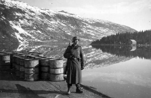 Vaktsoldat ved Finneidfjord, mai 1940