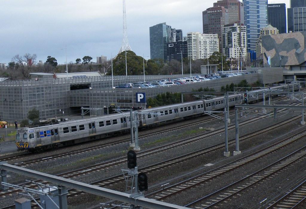 Metro Trains 6 Car Hitachi M299 Trailing by denmac25