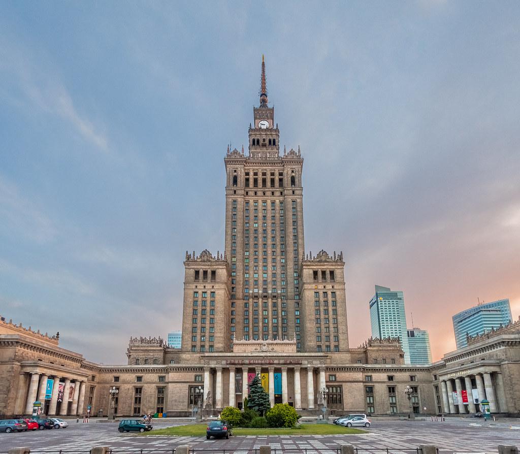 اماكن السياحة في وارسو قصر الثقافة والعلوم