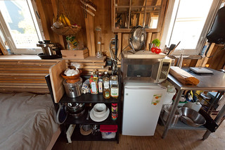 The Tiny House Kitchen of Kai & Sheila (www.2cycle2gether.com) | by goingslowly