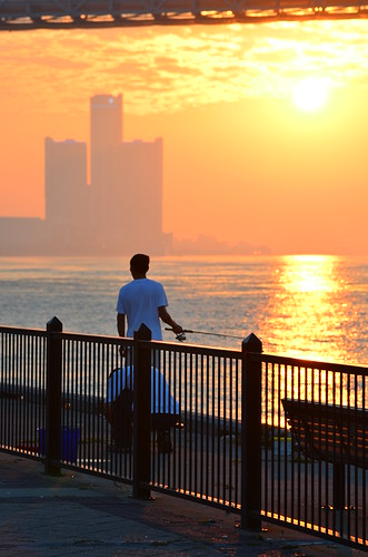 park sunrise fishing detroit
