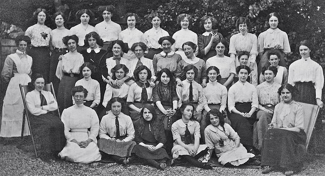 Edwardian Girls and Ladies and the story of a lost kitten