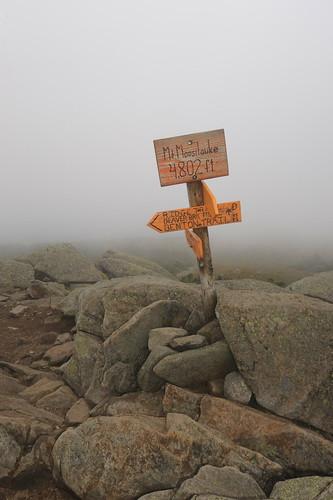 cloud sign newhampshire summit mountmoosilauke 1635mmf4gvr