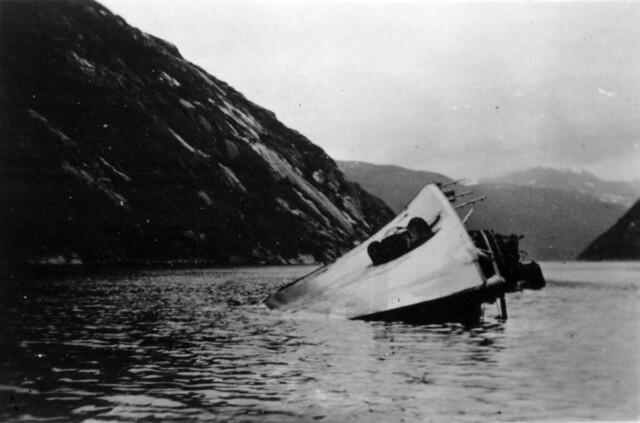 Ødelagt tysk destroyer i Rombakken, 1940