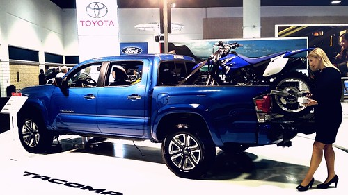 2016 Toyota Tacoma 4x2 Double Cab Photo