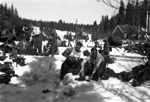 Snåsa (?) - der var i begynnelsen av mai 1940 store mengder snø