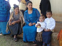 zo, 10/07/2011 - 00:08 - 130. Tonganen van Hunga Island in zondagse kledij