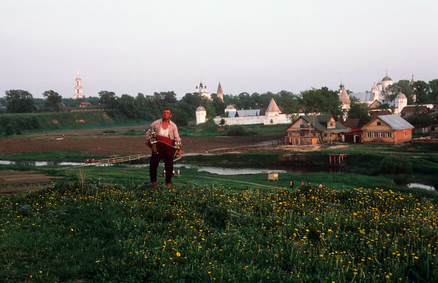 SUZDAL, Russia, The Accordian Player, 5-29-1985