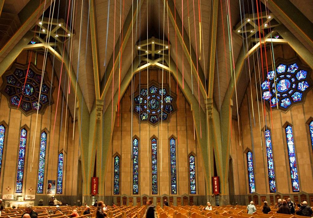 A click inside Basilica of Notre-Dame-du-Cap