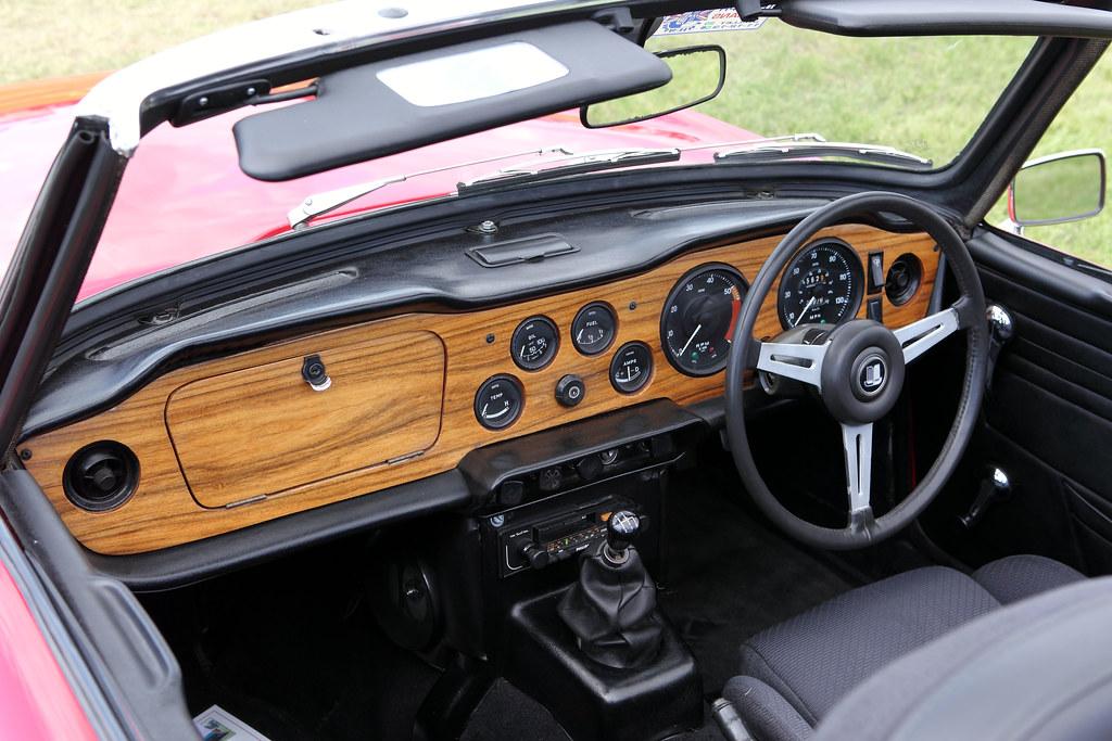 Triumph Tr6 Interior Dash C1975 25 Litre Straight Six Flickr