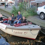 Moonlightcruise, part of the Liberation of Leiden (3 October 1574), with 99 motorsloops and 1 sailing sloop: the Zijlsloep. The Zijlsloep will hold a party of eight adults.