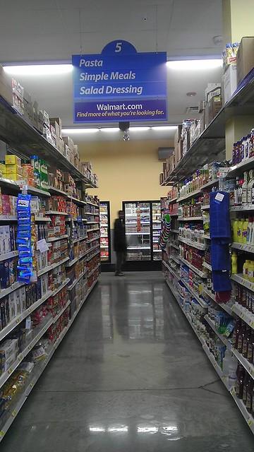 Wal-Mart Express - Holland - Chicago, Illinois - Aisle 5