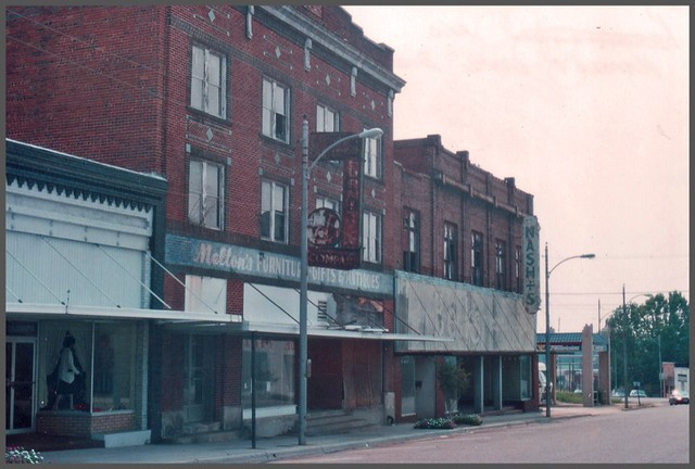 Hamlet NC ~ Main Street with closed stores ~ Film 1993 ~
