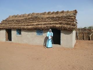 Darfuri woman helps her community be healthy