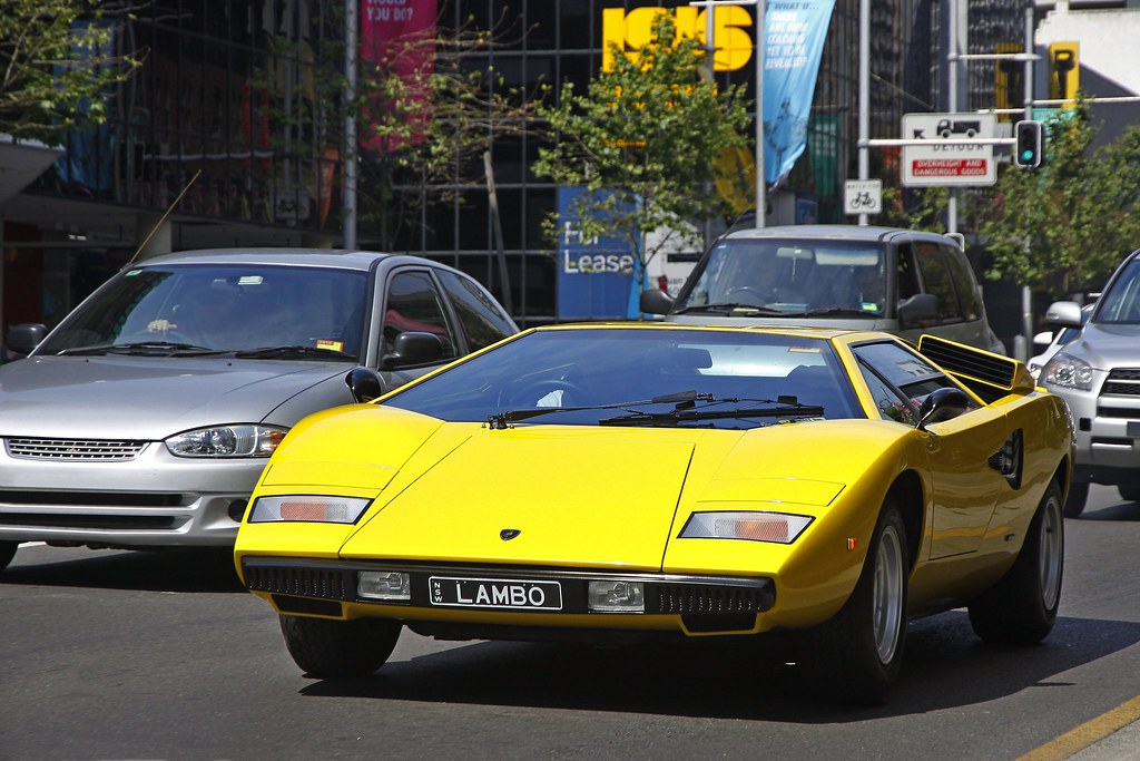 Old School Amazing Lamborghini Countach Spotted Near Kings Flickr