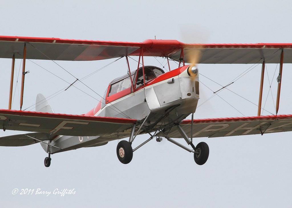de Havilland Canada DH-82-C Tiger Moth s/n 1073 (1941) Tig